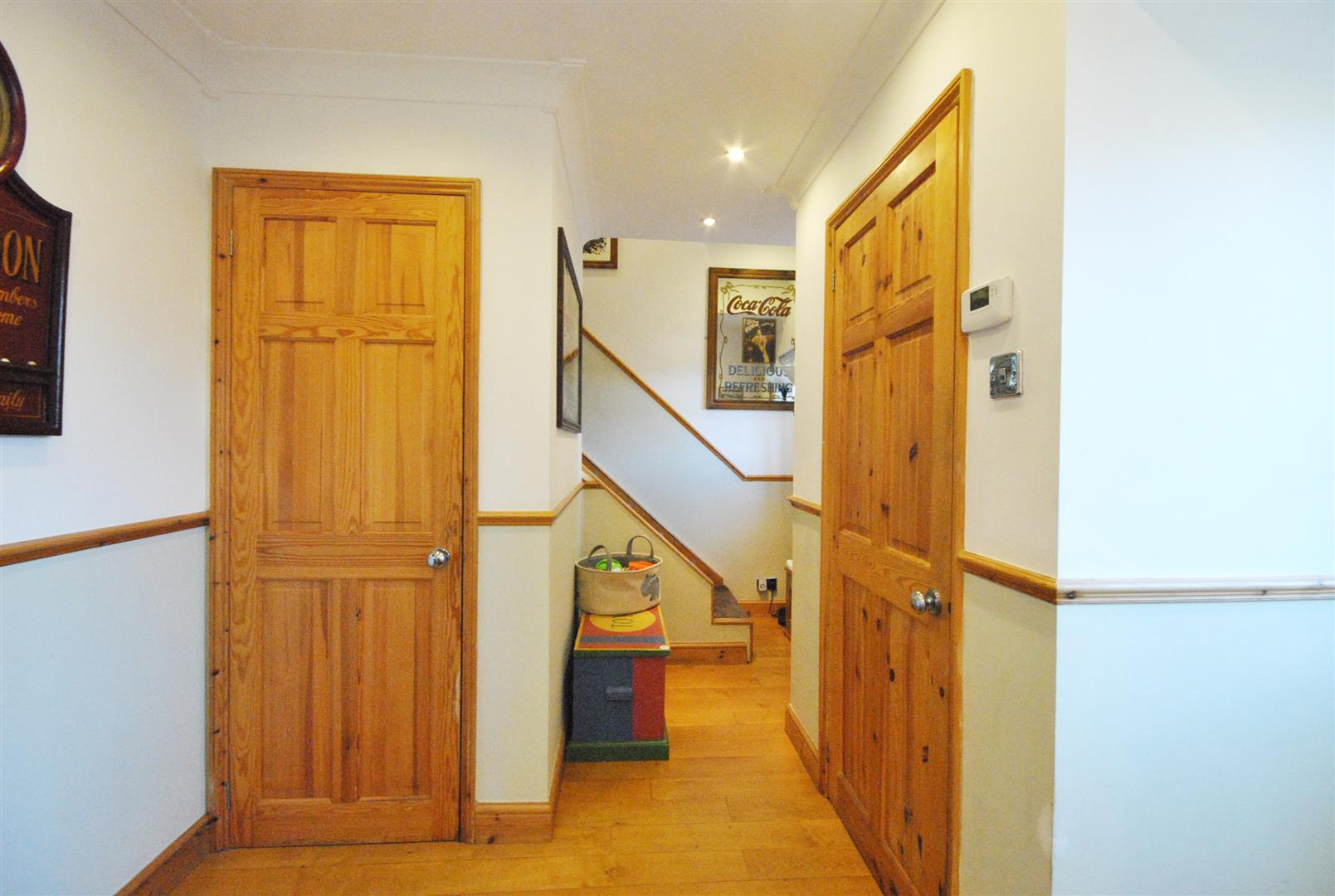 3 Bedrooms, House - Terraced